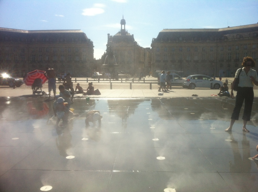 Place de la Bourse, reflected in the Mirior d'Eau, Bordeaux